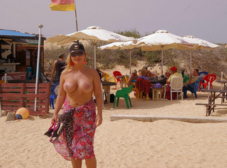 Corralejo nackt in going nude