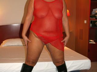...erotische Fotos in roten Dessous. Teil 1. Diese gebrauchten Dessous kannst du kaufen. Mail genügt. ------------------------------------------------------------------------------ .. erotic pictures in red lingerie. Part 1 These you can buy used underwear. Mail will suffice.