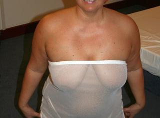 ...Anna´s erotische Fotos in weissem Outfit. Diese gebrauchten Dessous kannst du kaufen. Mail genügt. --------------------------------------------------------------- ... Anna's erotic photos in a white outfit. These you can buy used underwear. Mail will suffice.