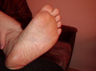 Meine Füße nach einen langen Arbeitstag - schade das du den Fußduft nicht richen kannst .....