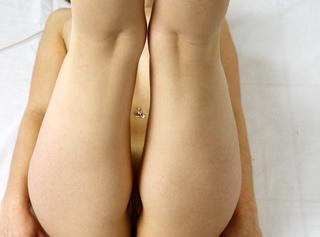 Geile Detail Aufnahmen von meinem Body. Ganz nackt und sexy Posen :-) Mit heißem Einblick auf die Pussy :-)