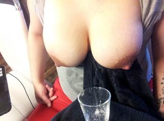 beim melken direkt ins Glas gespritzt