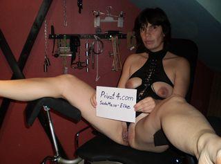Ich mach alles was du magst Du willst mich Quälen ? Du willst mein Sklave sein? Ich soll Dich bestrafen ? Schau Dir mein Geiles Studio an