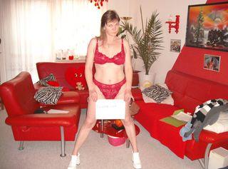 Hi Ich bin Blondy Eine reife Frau auf die suche nach geile Männer Suche Real treffen (Auf Wunsch Cybersex) ( Alle meine Bilder kosten 5 Privat Cent!!!) Biete auch meine getragene Unterwäsche