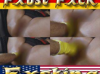 """Vorschaubild vom Privatporno mit dem Titel """"Der Haushaltshandschuh - Faust ins Loch"""""""