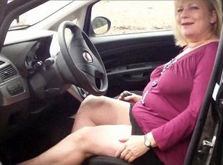 """Vorschaubild vom Privatporno mit dem Titel """"Dirty Talk im Auto"""""""