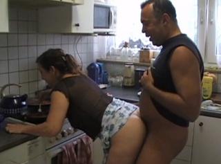 Beim Kochen Gefickt