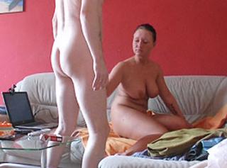 """Vorschaubild vom Privatporno mit dem Titel """"Fick auf dem Sofa - echtes Privatvideo"""""""