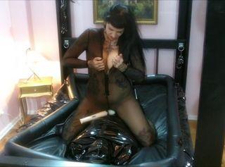 """Vorschaubild vom Privatporno mit dem Titel """"Submissive Under Her Hot Booty and Boots Part 2"""""""