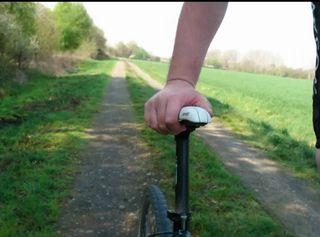 """Vorschaubild vom Privatporno mit dem Titel """"Unten ohne auf dem Fahrrad ** Nudist 2019 **"""""""
