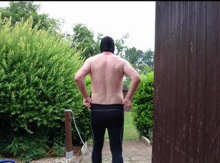 """Vorschaubild vom Privatporno mit dem Titel """"Mit Maske und Strumpfhose im Garten 1 ** Outdoor Spaß **"""""""