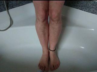 """Vorschaubild vom Privatporno mit dem Titel """"Urin und Sperma auf meinen nackten Füße"""""""