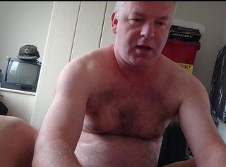 """Vorschaubild vom Privatporno mit dem Titel """"Nylonjunge bläst gerne Geilen Schwanz 1"""""""