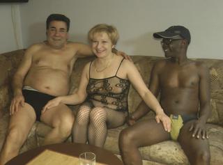 """Vorschaubild vom Privatporno mit dem Titel """"Black and White, Schlammschieben und Creampie"""""""
