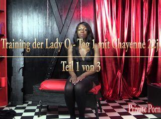 """Vorschaubild vom Privatporno mit dem Titel """"Training der Lady O - Tag 1 mit Chayenne 22j. Teil 1 von 3"""""""
