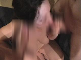 Privatporno: Userbesuch Teil 3: Von zwei Schwänzen vollgespritzt