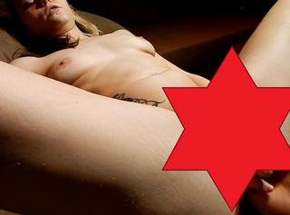 """Vorschaubild vom Privatporno mit dem Titel """"Finger Toy mit Noppen"""""""