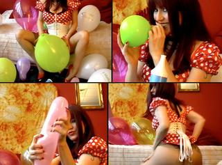 """Vorschaubild vom Privatporno mit dem Titel """"Blow Up & Pop Balloons"""""""