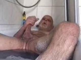 """Vorschaubild vom Privatporno mit dem Titel """"Wixspass in der Wanne"""""""
