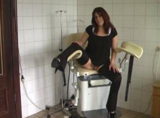 """Vorschaubild vom Privatporno mit dem Titel """"Traust DU Dich auf meinen Gyn.-Stuhl?"""""""