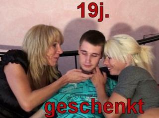 """Vorschaubild vom Privatporno mit dem Titel """"19jährigen geschenkt bekommen!"""""""