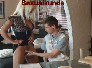 """Vorschaubild vom Privatporno mit dem Titel """"Sexualkunde für 18jg. Schüler"""""""