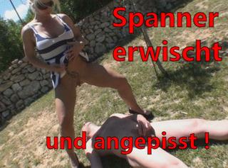 """Vorschaubild vom Privatporno mit dem Titel """"Spanner erwischt und angepisst!"""""""