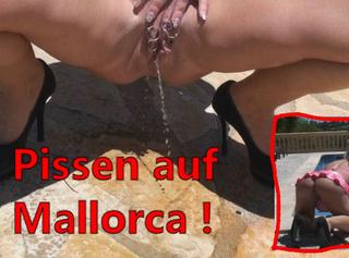 """Vorschaubild vom Privatporno mit dem Titel """"Pissen auf Mallorca!"""""""