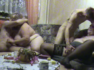 """Vorschaubild vom Privatporno mit dem Titel """"Swingertreffen mit jungem Paar Teil 2"""""""