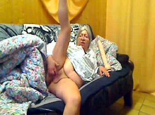 """Vorschaubild vom Privatporno mit dem Titel """"Bettfreuden mit Oma"""""""