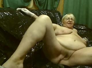 """Vorschaubild vom Privatporno mit dem Titel """"Piss Latex Gummi Orgie"""""""