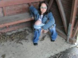 """Vorschaubild vom Privatporno mit dem Titel """"In die Bushaltestelle Gepinkelt"""""""
