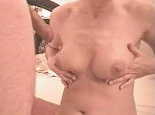 """Vorschaubild vom Privatporno mit dem Titel """"Spermageile Titten."""""""