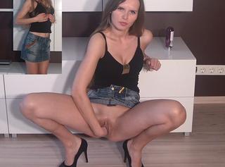 """Vorschaubild vom Privatporno mit dem Titel """"Pussy stretching"""""""