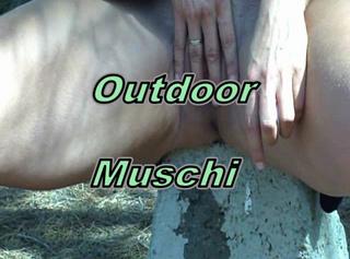 """Vorschaubild vom Privatporno mit dem Titel """"Outdoor Muschi!"""""""