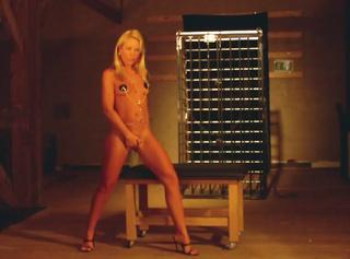 """Vorschaubild vom Privatporno mit dem Titel """"Slave girl outfit"""""""