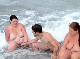 """Vorschaubild vom Privatporno mit dem Titel """"Nackt am Mittelmeer"""""""