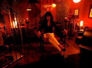 """Vorschaubild vom Privatporno mit dem Titel """"Lady Angela in Ihrem Studio"""""""
