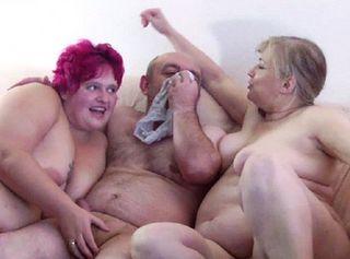 """Vorschaubild vom Privatporno mit dem Titel """"Hausfreund zum Orgasmus gewichst"""""""