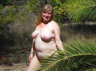 """Vorschaubild vom Privatporno mit dem Titel """"Nackt unter Palmen"""""""