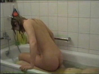 """Vorschaubild vom Privatporno mit dem Titel """"Der Badewannen - Fick"""""""
