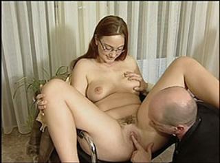 """Vorschaubild vom Privatporno mit dem Titel """"Unschuldig wirkende Andrea lässt mir die Hose eng werden"""""""