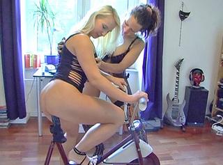 """Vorschaubild vom Privatporno mit dem Titel """"Ein richtig geiler Fahrrad-Masturbations-Fick"""""""