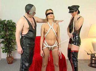 """Vorschaubild vom Privatporno mit dem Titel """"Extrem fesseln - Von der Bankfiliale zum Bondage"""""""