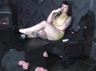 """Vorschaubild vom Privatporno mit dem Titel """"Human Ashtray"""""""