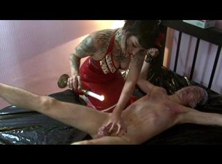 """Vorschaubild vom Privatporno mit dem Titel """"Evil Lady in Red 2/2"""""""