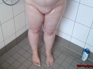 """Vorschaubild vom Privatporno mit dem Titel """"Ende: Userin duscht bei mir"""""""