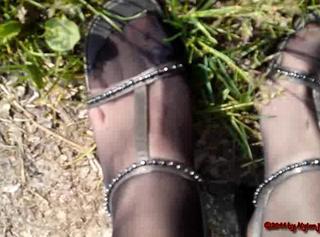 """Vorschaubild vom Privatporno mit dem Titel """"High Heels testen"""""""