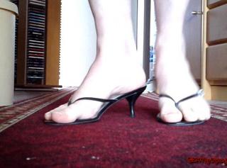 """Vorschaubild vom Privatporno mit dem Titel """"Sexy Pantoletten (Fußfetisch)"""""""
