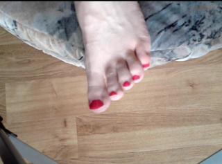 """Vorschaubild vom Privatporno mit dem Titel """"Zehnägel lackieren (linker Fuß)"""""""